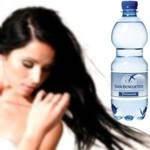 ¿Para qué sirve ponerse agua mineral en el cabello?
