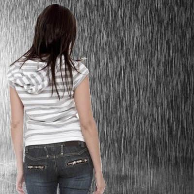 ¿La lluvia es mala o es buena para el cabello?
