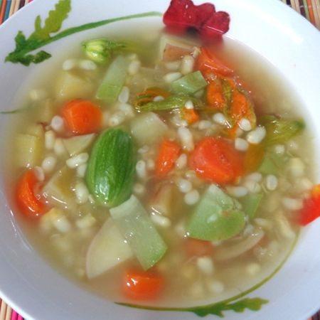 Es sano comer sopa de verduras