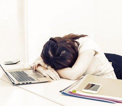 ¿Cómo se manifiesta la fatiga crónica?