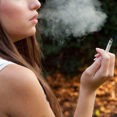 ¿Cómo afecta el tabaco a la belleza de la mujer?