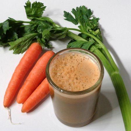 ¿Para qué sirve el jugo de zanahoria y apio en ayunas?