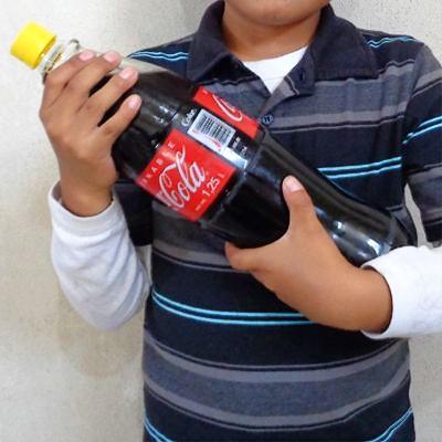 Es malo el refresco para los niños y en los jóvenes