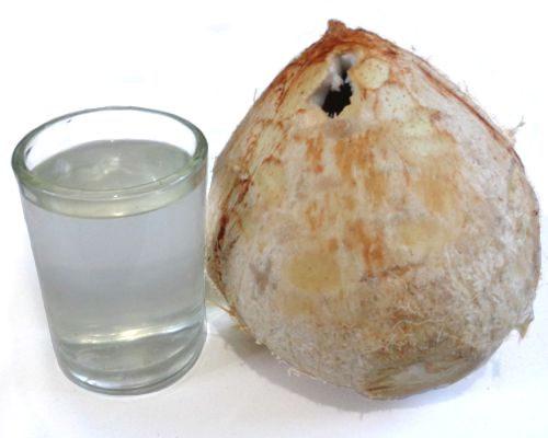 ¿Para qué es bueno el agua de coco en ayunas?