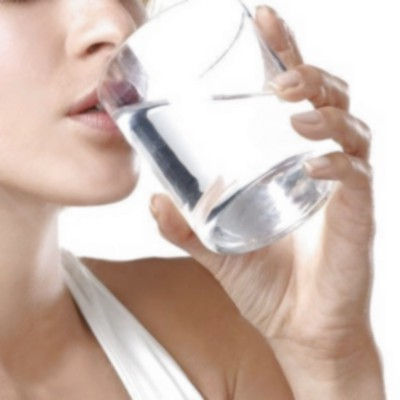 ¿Una persona se puede morir por tomar mucha agua?