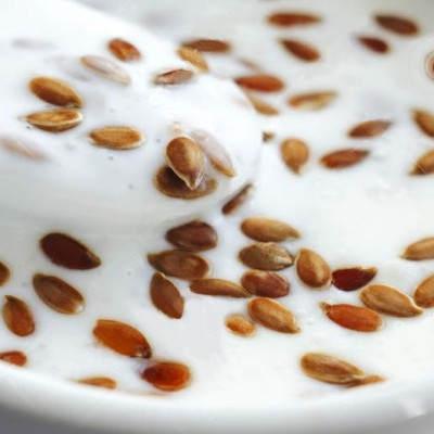Yogurt con semillas de linaza