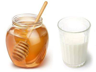 Comer o cenar yogurt natural con miel engorda