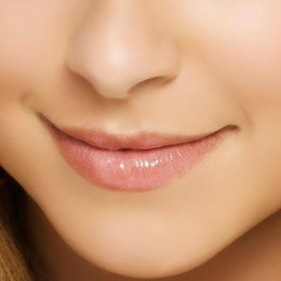 Embellecimiento de los labios en dos pasos