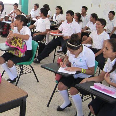 Beneficios de prestar atención en clase Debemos poner atención en clase