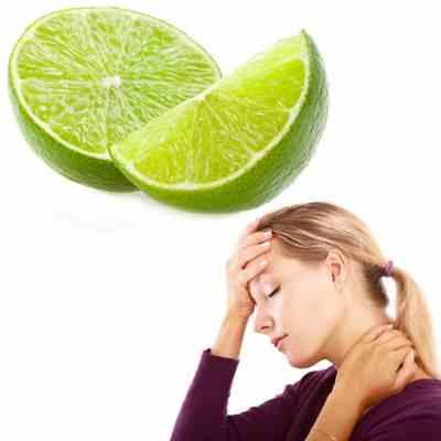 Limones para el dolor de cabeza El jugo de limón sirve para quitar el dolor de cabeza