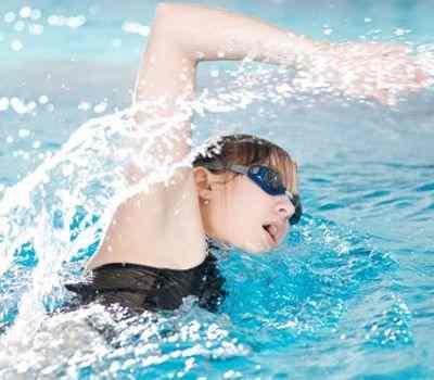 Beneficios que obtenemos al nadar