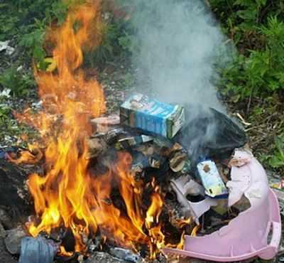 Es malo quemar basura a cielo abierto