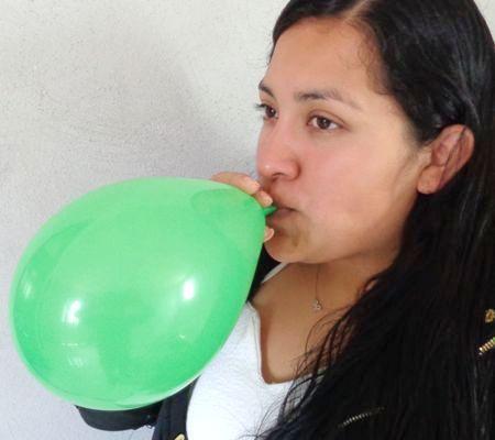 Beneficios de inflar globos con la boca