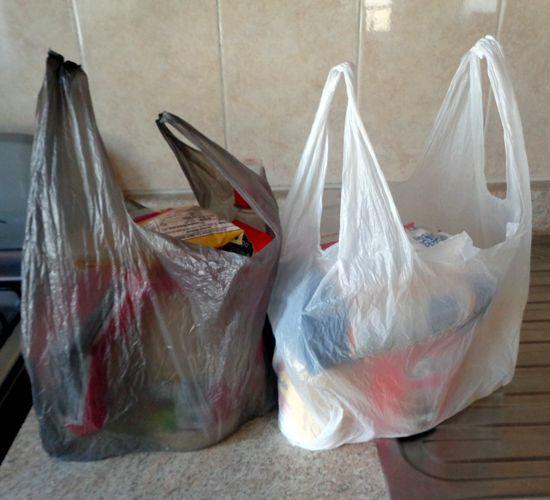 Beneficios y problemas de las bolsas de plástico de los supermercados